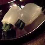 日本料理 時宜 - 生で食べる方 ニラを包むかわはぎ
