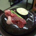 日本料理「魚清」 - 近江牛の石焼き
