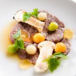 アルテリーベ - 松茸と銀杏、鶉の卵を添えた黒毛和牛のターフェルシュピッツ