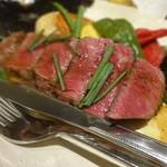 41901699 - 鳥取県産黒毛和牛のステーキと焼野菜