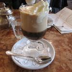 DEMEL - Kaffee Einspänner ウィンナーコーヒー