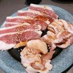 41907529 - 【3種盛】炙り牛カルビ・豚カルビ・若鶏カルビ