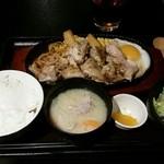 41914807 - 若鶏ステーキ850円。