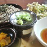 あずまや心菜 - 芽室産野菜の天ぷらそば 900円 2015.9