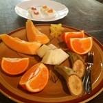 屋久島フルーツガーデン - 試食のフルーツ