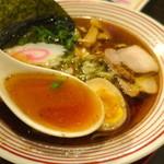 本町ロマンス - 魚介出汁が効いたスープ
