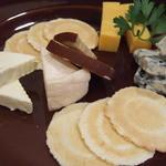 41925503 - チーズ5種盛り合わせ