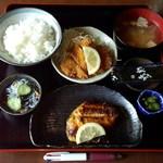 かわらや - Aランチ(サワラの西京焼き+チキンカツ)800円