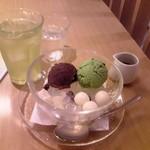 ナナハ - 抹茶クリームあんみつ ドリンクセット¥1,230 セット全景♪w (冷水緑茶)