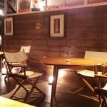 Cafe Chillax - 屋根つきオープンテラス席