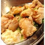 とりビアー 三軒茶屋本店 - 鶏のから揚げタルタルソース添え480円