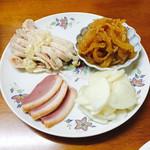 中国料理 食楽 - 前菜の盛り合わせ¥900