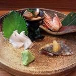 41935085 - 天然鮃えんがわ・太刀魚炙り・胡麻鯖・牡丹海老