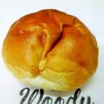 ウッディ ベーカリー - クリームパン