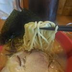 横浜家  - 麺はこんな感じ