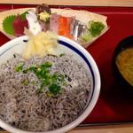 41938839 - シラス丼と刺身定食