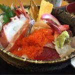 41940365 - 【海鮮丼】(950円税込)
