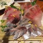 雑魚 - おまかせ刺身盛り合わせ