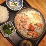旬鮮酒場天狗 - 日替りランチ B 豚の生姜焼きと鶏の唐揚げ 胡麻ポン酢