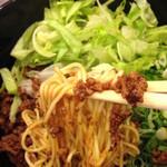 湯島ひよこ堂 - 140gの麺は細麺
