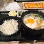東京純豆腐 - 豚スンドゥブ(ノンスパイシー、チーズトッピング)