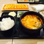 東京純豆腐 - 豚スンドゥブ(味噌味、チーズトッピング)