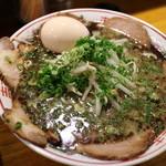 水田商店 - 黒ちゃーしゅーめん(味玉)