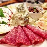 ブルスケッテリア デッリ アルティスティ - 前菜8種盛り合わせ 2人分 1640円