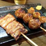 串蔵 - 料理写真:201509 串焼きセットの豚バラ、肉団子、うずらの卵(タレ)