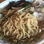 41960966 - 麺は細麺。