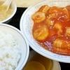 山翠 - 料理写真:イカと玉子とエビのチリソース880円