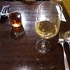 アヴェルラ - ドリンク写真:白ワイン、烏龍茶