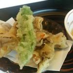 日本料理 戸たに - 舞茸と海老のかきあげ
