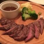 Steak&Wine Vabene - 赤身のステーキ。990円でこのクオリティ!