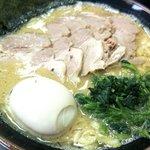 壱成家 - チャーシュー麺+味玉