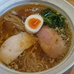 41972199 - ラーメン/醤油(¥680)普通醤油系平打ち細麺