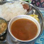 ネパール家庭料理 麦 - スープカレーセット 750円♪