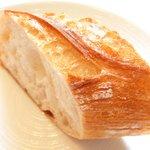 41974688 - タイムコース 2138円 のメゾンカイザーのパン