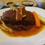 御飯家 - 煮込みハンバーグ