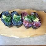 沼津魚がし鮨 二代目魚がし - 生しらす軍艦&生桜えび軍艦