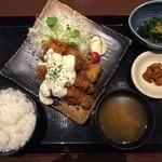 北の味紀行と地酒 北海道 - タルタルソースがクセになります!と言う、チキン南蛮定食830円。