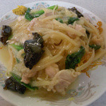 中国料理 ビストロ プータン  - 料理写真:とりヤキソバ(塩味)