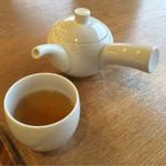 松華堂菓子店 - ほうじ茶とも勿論相性は良しです!