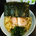 横浜ラーメン 一心 - ラーメン650円。麺硬め。