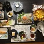 第二昌丸 - 懐石料理4000円季節の料理を提供します