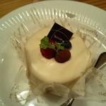 グルービー つくば店 - レアチーズケーキ
