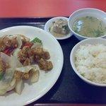 光華 - ご飯とスープのついたランチ