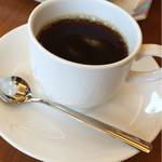 ビーワンカフェ - 2015.9  モーニングのコーヒーと、追加購入のちくわパン!