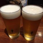 42004194 - ビールで乾杯