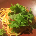 42008733 - 渡り蟹トマトソースとパクチー